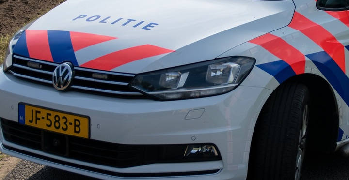 Normal aangepastpolitieauto