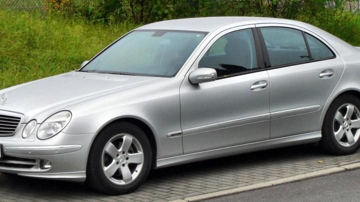 Normal mercedes e klasse avantgarde w211 front 20090923 003 002
