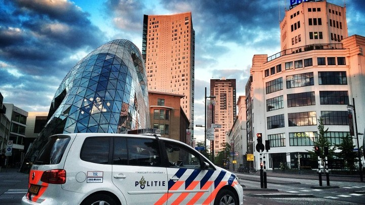 Normal politieauto in ehv