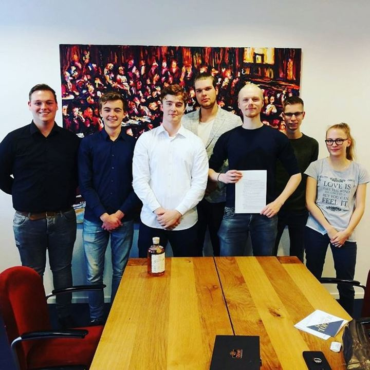 Normal foto van oprichters van mbo studentenvereniging primus voor website