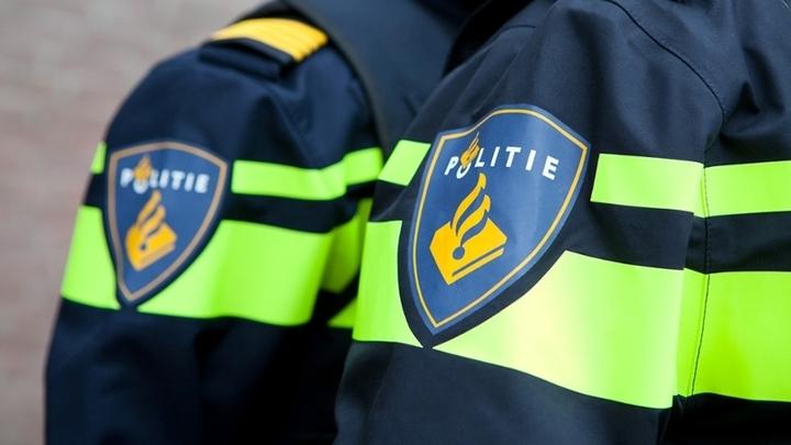 Normal mouw nieuwe uniform politie