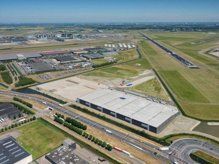 Normal chipshol claimt 120 miljoen euro bij luchtverkeersleiding nederland