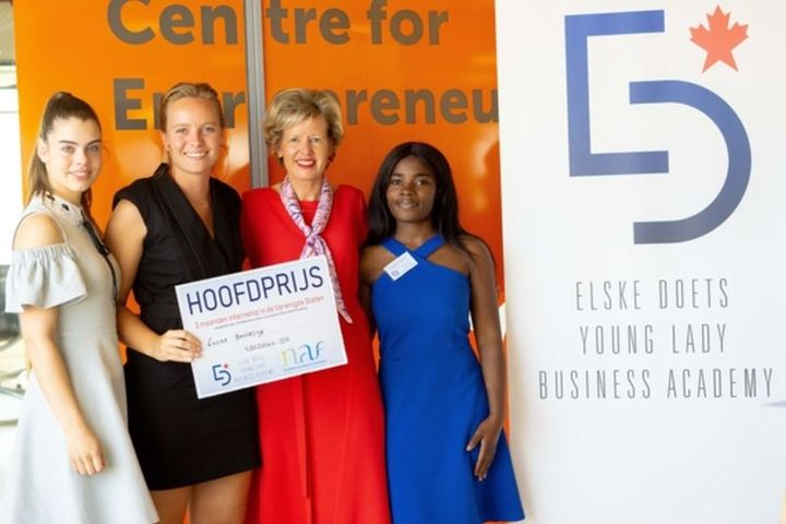 Normal laura besseling wint young lady business academy 4.0