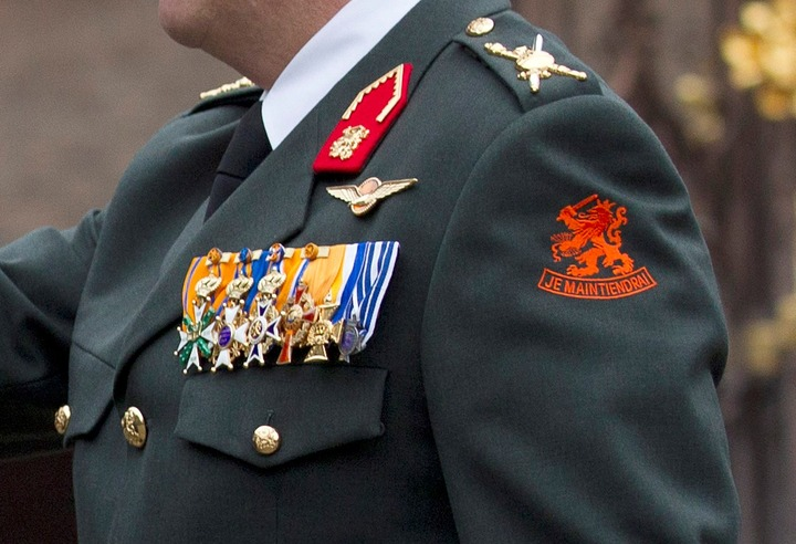Normal koning willem alexander uniform close up