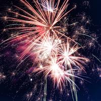 Thumbnail low angle photo of fireworks 949592