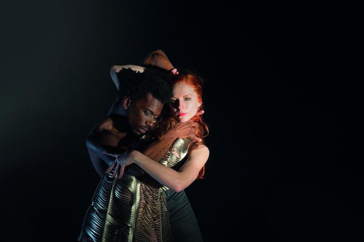 Normal dance company nanine linning   endless song of silence  erik spruijt  4