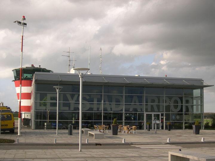 Normal lelystad airport