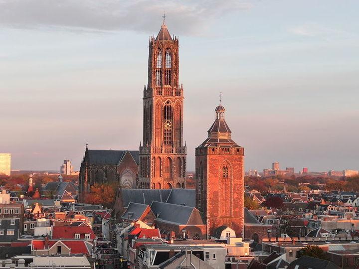 Normal 800px buurkerk en domtoren