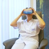 Thumbnail icverpleegkundige met vr bril