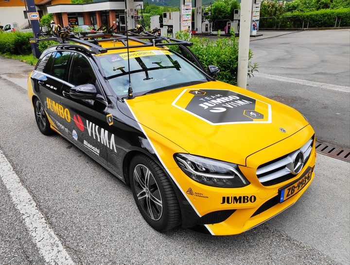 Normal team jumbo visma support car  2019 giro d italia
