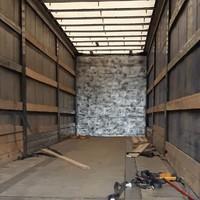 Thumbnail foto 2 verborgen ruimte vrachtwagen